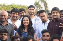 https://tamil.filmibeat.com/img/2021/03/74745825-1614846814.jpg