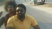 https://tamil.filmibeat.com/img/2021/03/exnhdkdvkamq7iz1-1616567254.jpg