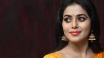 https://tamil.filmibeat.com/img/2021/03/poorna-1474521634001-1615442819.jpg