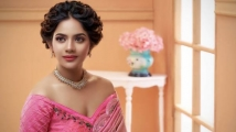 https://tamil.filmibeat.com/img/2021/04/artist-678-aishwarya-dutta-photos-images-3488-1617705415.jpg