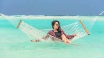 https://tamil.filmibeat.com/img/2021/04/janani-1619419395.jpg