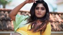 https://tamil.filmibeat.com/img/2021/04/julie-1619160928.jpg