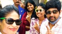 https://tamil.filmibeat.com/img/2021/04/vijalakshmifamily1-1617711792.jpg