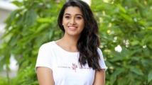 https://tamil.filmibeat.com/img/2021/05/priyahome-1621076813.jpg