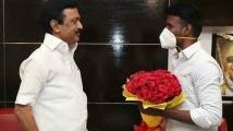 https://tamil.filmibeat.com/img/2021/05/soori-1620103275.jpg