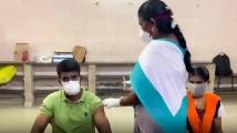 https://tamil.filmibeat.com/img/2021/05/soori-covid-vaccinate2152021m1-jpg-1622006019.jpg