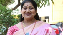 https://tamil.filmibeat.com/img/2021/06/actress-kavitha-lodges-police-complaint-1490770996-1841-1623831673.jpg