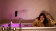 https://tamil.filmibeat.com/img/2021/06/bathtub-1624080758.jpg