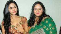 https://tamil.filmibeat.com/img/2021/06/radha-and-karthika-in-srilanka--1624617283.jpg