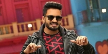 https://tamil.filmibeat.com/img/2021/06/santhanam1-1624110840.jpg
