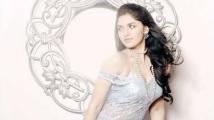 https://tamil.filmibeat.com/img/2021/06/sunaina51-1623840648.jpg