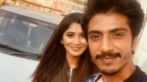 https://tamil.filmibeat.com/img/2021/07/julie-with-shariq1-1625138550.jpg