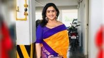 https://tamil.filmibeat.com/img/2021/07/screenshot2237-1627110788.jpg