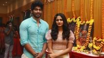 https://tamil.filmibeat.com/img/2021/08/losliya-tharshan-google-kuttapan-1627815792.jpg