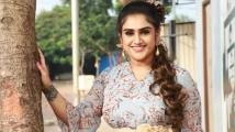 https://tamil.filmibeat.com/img/2021/09/vanitha-vijaykumar-walks-out-b-0-1200x768-1631688150.jpg