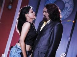 Andaman Heroines Romance With Villain