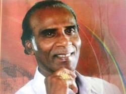 Poet Muthulingam S Aananda Thenkatru Thaalattuthe 2
