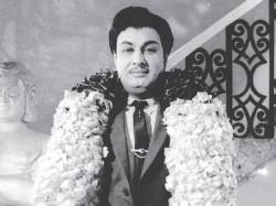Anandha Then Kaatru Thalattudhe 9