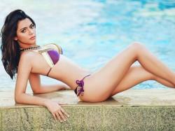 Ruhi Singh Posts Sizzling Hot Pictures A Bikini