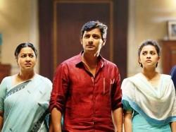 Sangili Bungili Kathava Thorea Review
