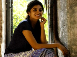 Anandhi Is Mama S Girl