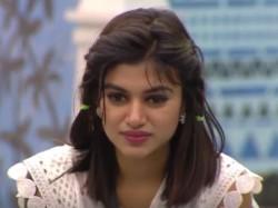 Oviya S Bet Namitha S Over Acting