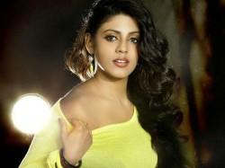 Actress Iniya S Reply Bhagyaraj