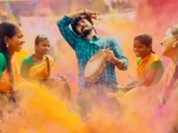 Karuthavanlaam Galeejaam Lyrical Video Released From Velaikkaran Movie