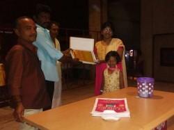 3000 Silk Sarees Lady Fans Those Watched Nagalir Mattum Theaters