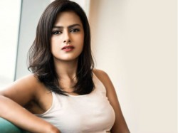 Shraddha Srinath Acts As Press Reporter