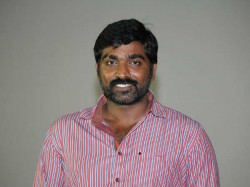 Vijay Sethupathi Gets Periyar Award