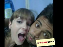 Vijay Deverakonda S Selfie With Mystery Girl Goes Viral