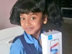 Kamalhaasan Gifted Smartphone