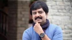 Actor Vivek Plays To Ilayaraja Evergreen Song Ilamai Enum Poongattru