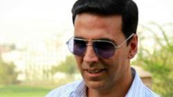 Akshai Kumar Urging Public Support To Provide Sanitary Pads