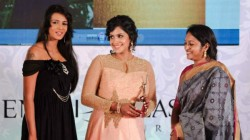 Meera Mithun Reacts To Samyukta For Trolling Her In Biggboss