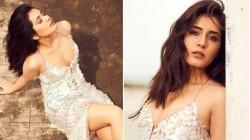 Actress Raashi Khanna In Mottai Maadi Photoshoot