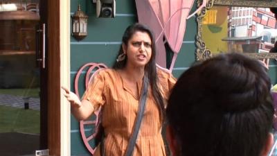 ஓவர்டேக் பண்ணும் வனிதா.. டக்கென களத்தில் குதித்த கஸ்தூரி.. கவின் தான் முதல் டார்கெட்!