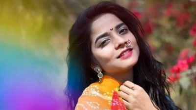 இளம் டிவி நடிகை, தூக்குப் போட்டுத் தற்கொலை!